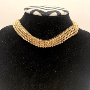 Fashion jewelry Choker color gold and rhinestones